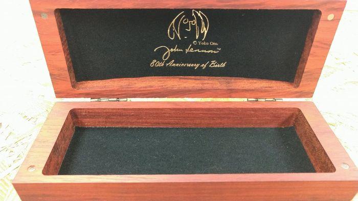 ジョンレノン 生誕80年 限定コレクション 丸メガネ 木製ケース2