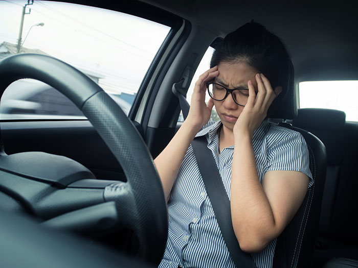 運転中の目の疲れに効くツボはココ! 休憩中に疲れを簡単リセット
