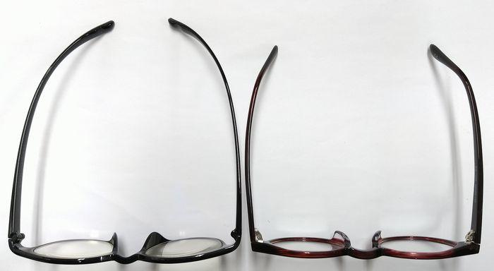 首掛け式老眼鏡 カカル メガネ比較