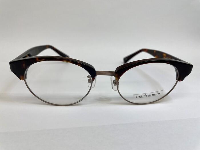 メガネフレームの素材 遠近両用 疲れ目 メガネ選び コンビネーション素材