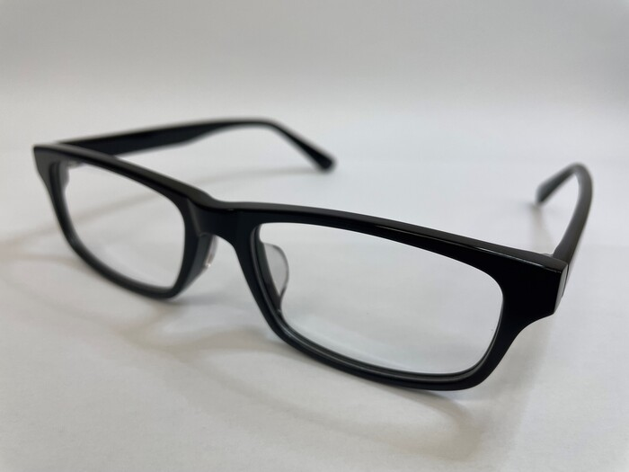 メガネフレームの素材 遠近両用 疲れ目 メガネ選び セル