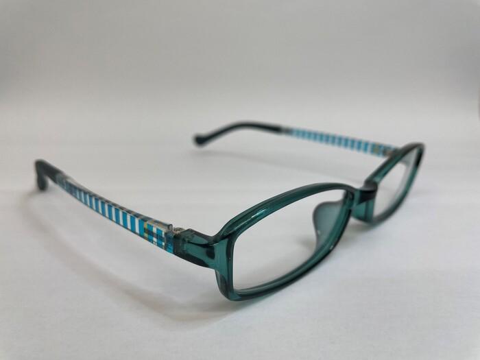 メガネフレームの素材 遠近両用 疲れ目 メガネ選び TR90